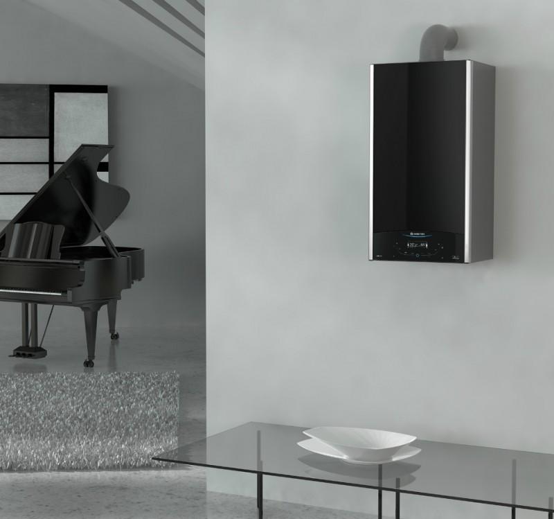 CENTRALA TERMICA IN CONDENSATIE ARISTON ALTEAS ONE exemplu de montaj camera